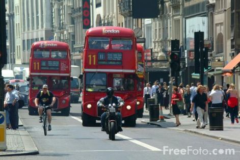 31_10_13---red-routemaster-double-decker-bus--london--england_web.jpg
